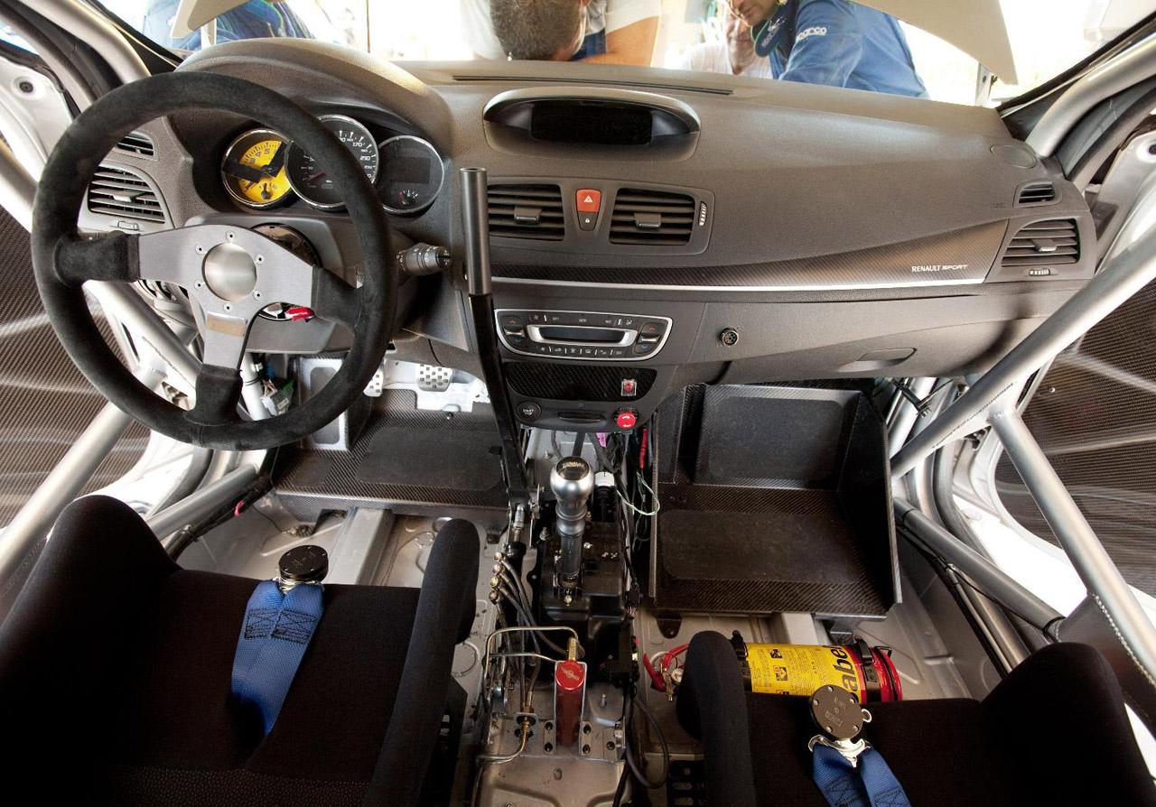 Megane Renaultsport N4 Cabin Design