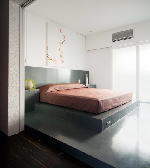 Home interior and exterior design house of inclusion for Minimalist white house by koichi kimura