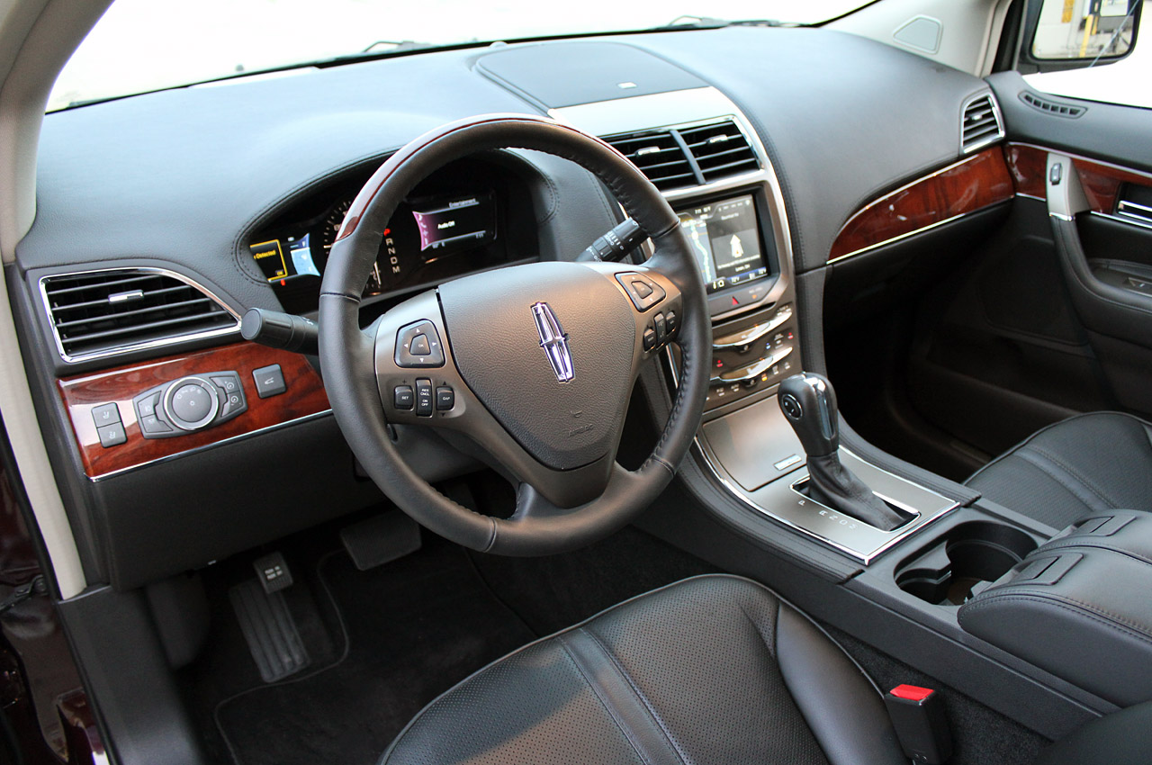 2011 Lincoln MKX Interior Design