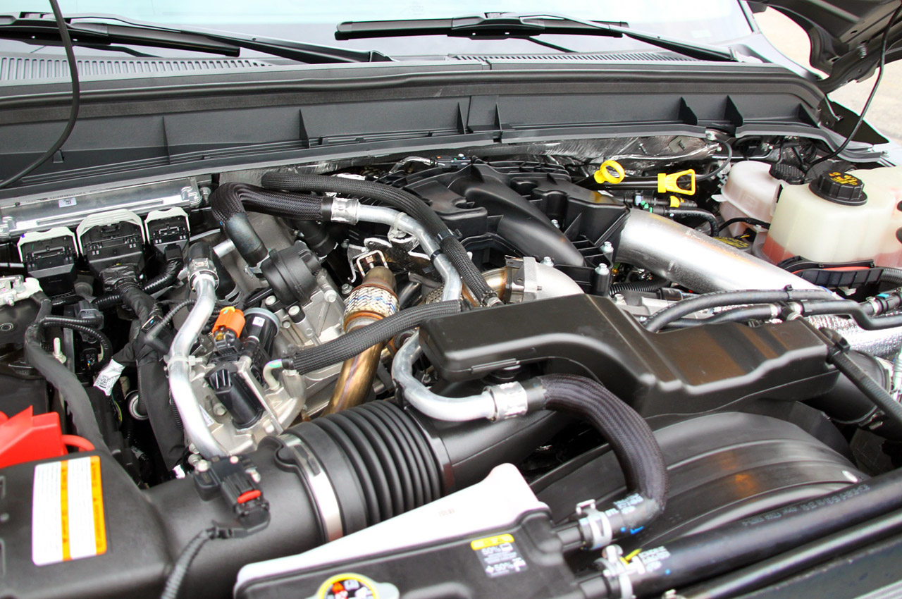 2011 FORD F-450 SUPER TRUCK LARIAT ENGINE DESIGN
