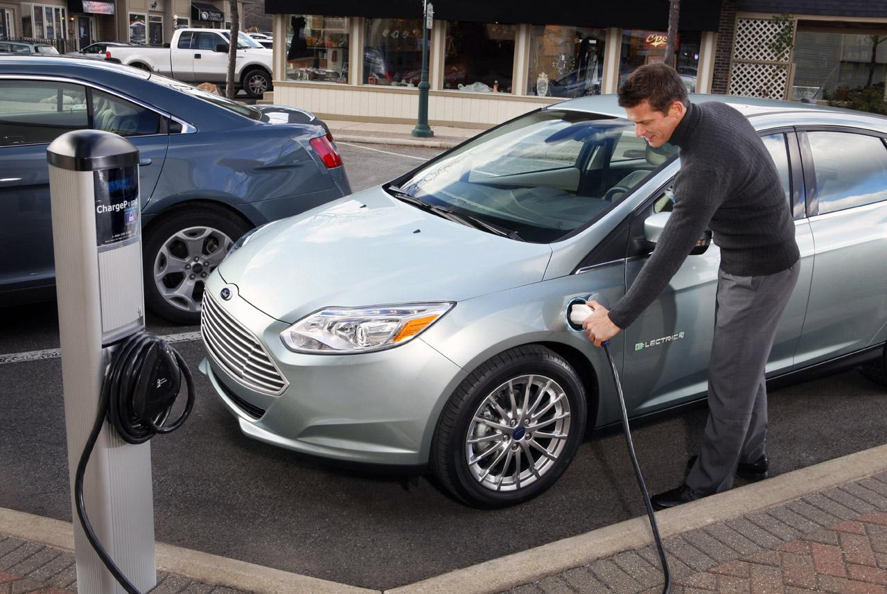 New Hybrid Car Ford Focus Electric