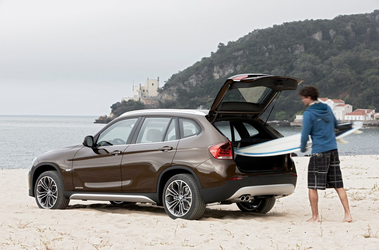 2011 BMW X1 MORE ROOM SPACE