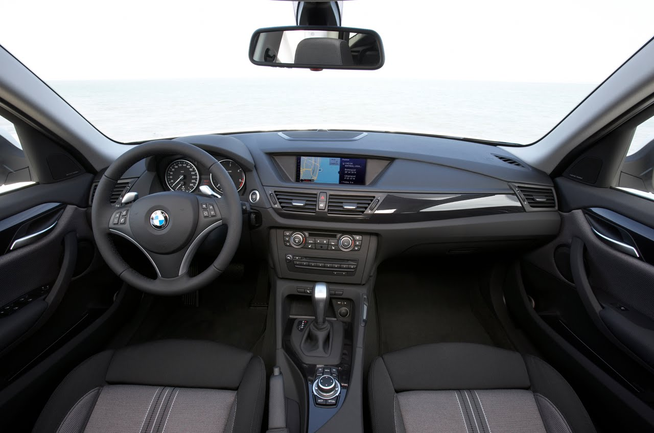 2011 BMW X1 INTERIOR DESIGN