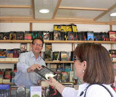 firmando en Feria libro Valencia 2009