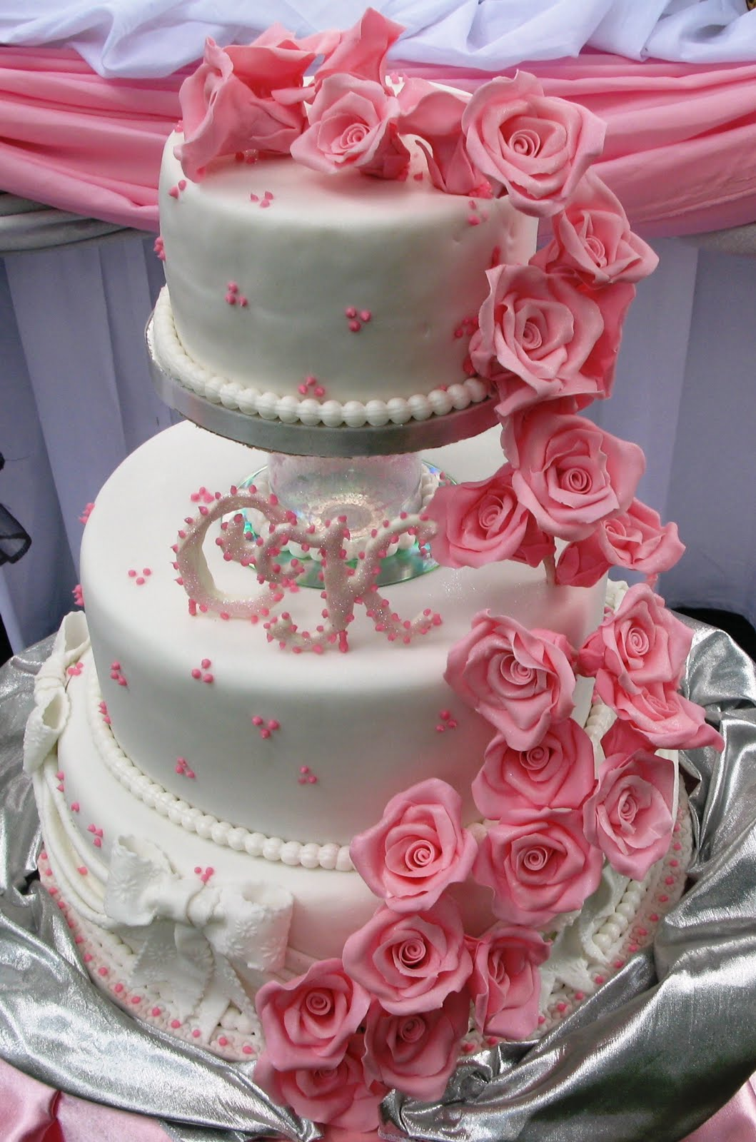 Sugarcraft by Soni: Three - Tier Wedding Cake & Roses