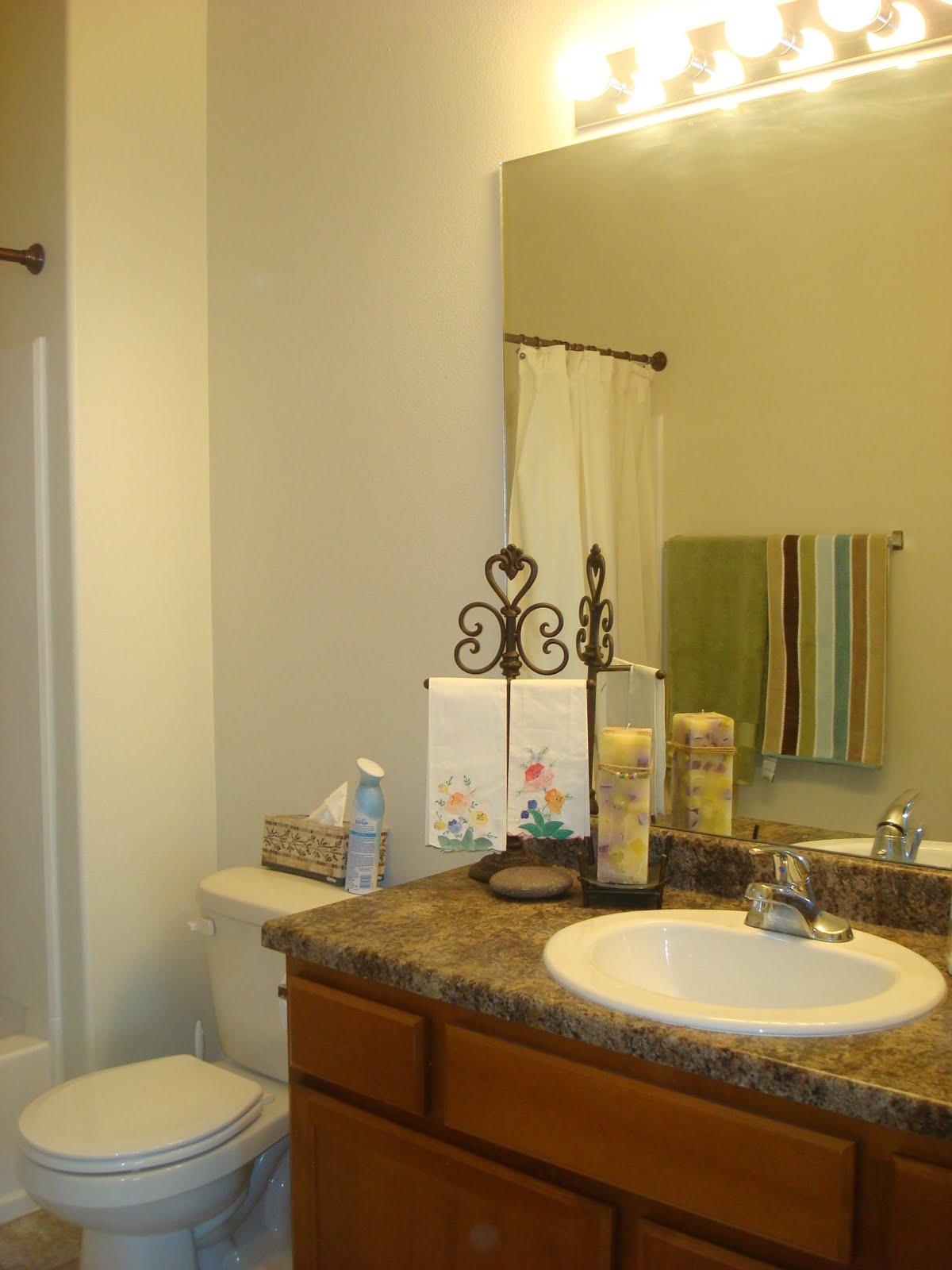 ImagineCozy A Coastal Cottage Bathroom