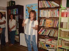 PALABRERAS EN ACCIÓN. El grupo de Valle Hermoso contando cuentos