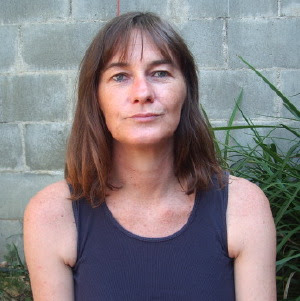 Transgressing Language? : The Poetry of Ania Walwicz