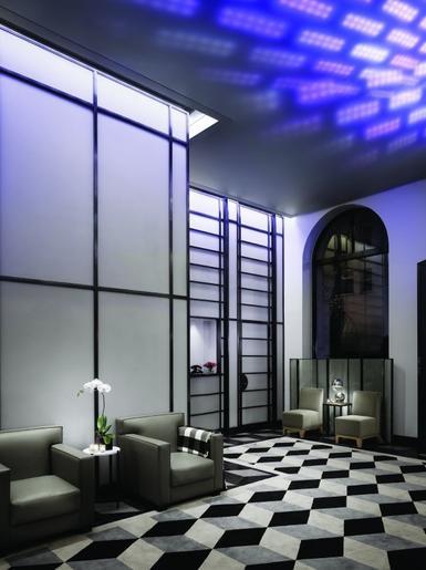 shinra technologies exposition andr e putman l 39 hotel de ville de paris. Black Bedroom Furniture Sets. Home Design Ideas