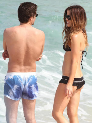 Celebrity Kate Beckinsale Bikini Candids from the Beach in Mexico