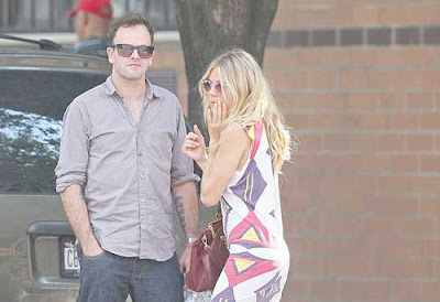 Sienna Miller and Jonny Lee Miller