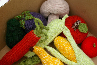 Knitting Pattern For Vegetables : loniemay: knitted fruit and vegetables