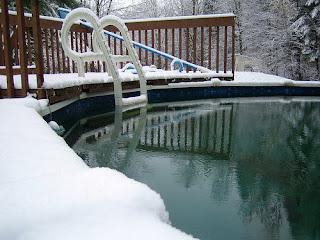 http://2.bp.blogspot.com/_pehKTUBhpis/SWnZ3JQ-F9I/AAAAAAAABpo/8KILDyOjVFo/s320/piscine_neige.jpg