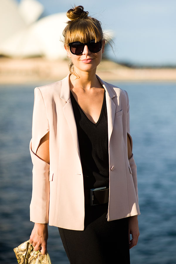 fashion, blazer, pink blazer, cut out, powder pink blazer, fashion blog@limitlessfashion.blogspot.com