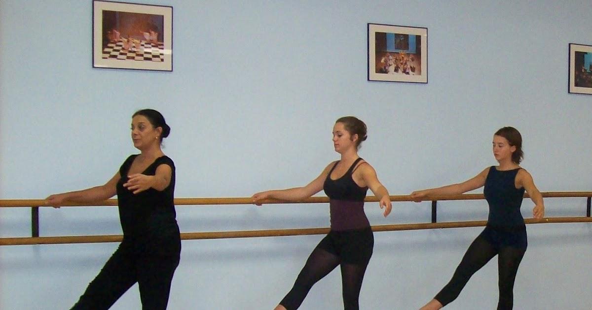 Ecole de danse dominique jean et camille vigier en cours for Exercices barre danse classique