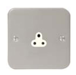 Round pin 1 gang 5A unswitched Metal Clad Socket - the 3350 Metal Clad