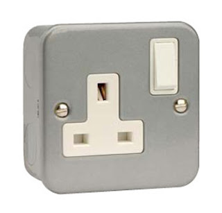 Metal Clad 1 Gang 13 AMP Switched Single Socket - the 3346 Metal Clad