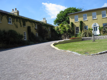 BALLINACURRA HOUSE