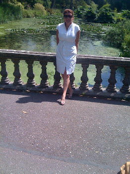 RACHEL AT FOTA GARDENS