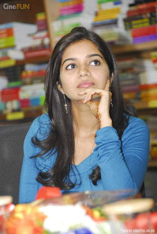 Swathi At If You Love Some One Book Launch Stills unseen pics