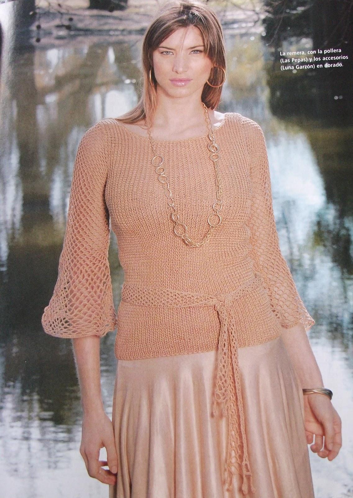 Blusa combinada con tejido de 2 agujas (el cuerpo); las mangas y ...