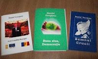 Hello, Democracy dans Democracy 100_1320