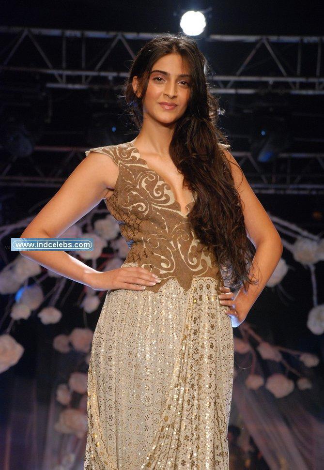 , Sonam Kapoor On Ramp