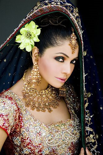 pakistani wedding makeup. Pakistani Wedding Hairstyles