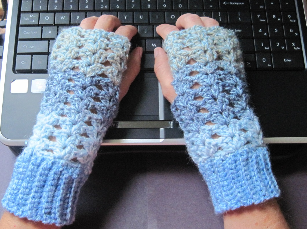 Crochet Fingerless Gloves : Lacey Crochet Fingerless Gloves