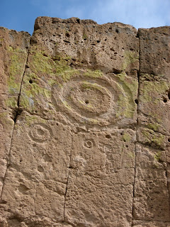 Puye Cliff markings