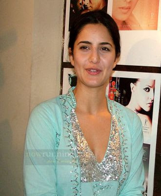 heroines without makeup. Katrina kaif without makeup