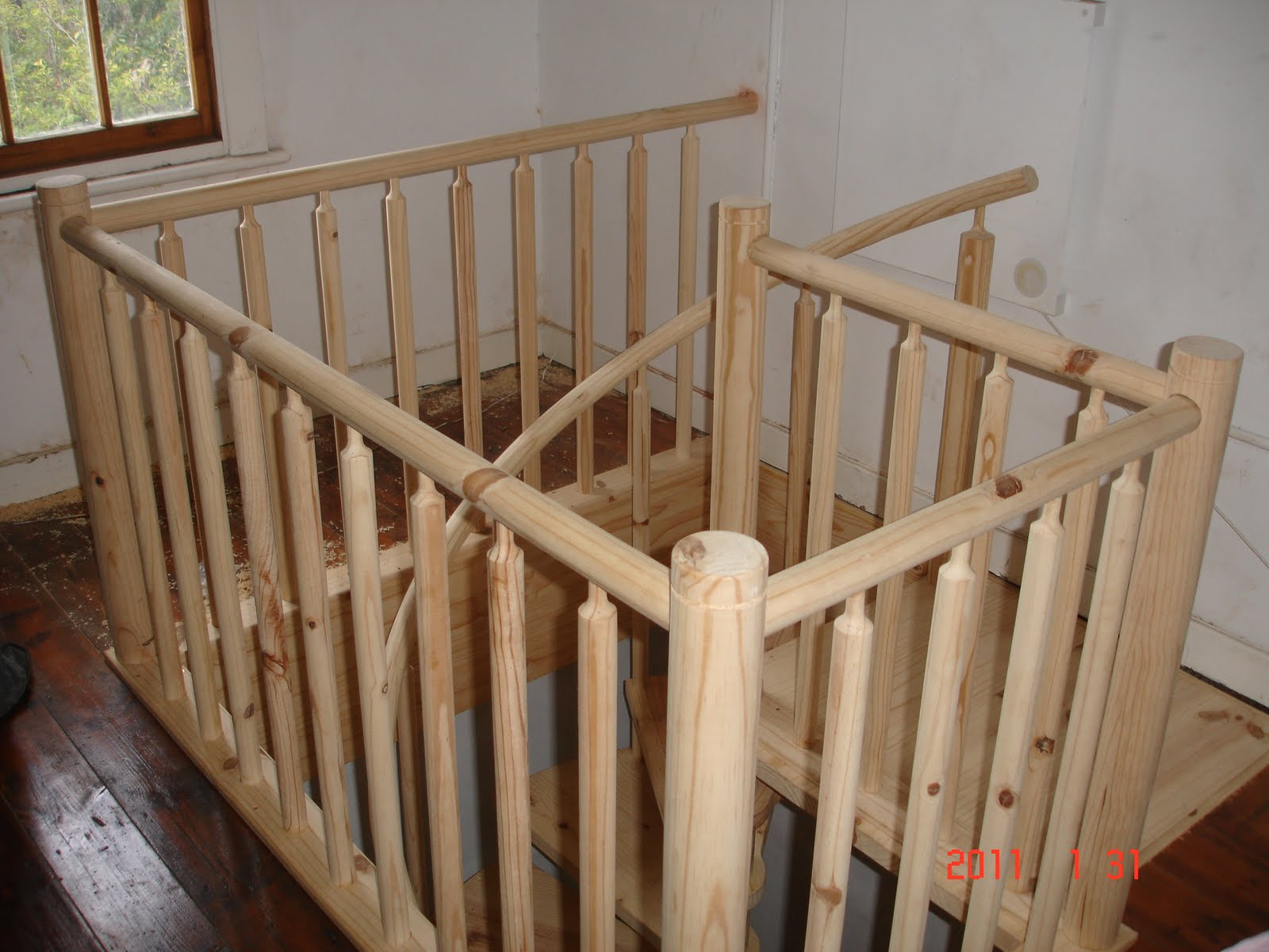 D.I.Y Spiral Staircase With Round Balusters And Rail