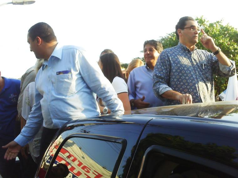 Dr.Antônio Carlos Pires fazendo caminhada com Waquinho em V. Kenedy