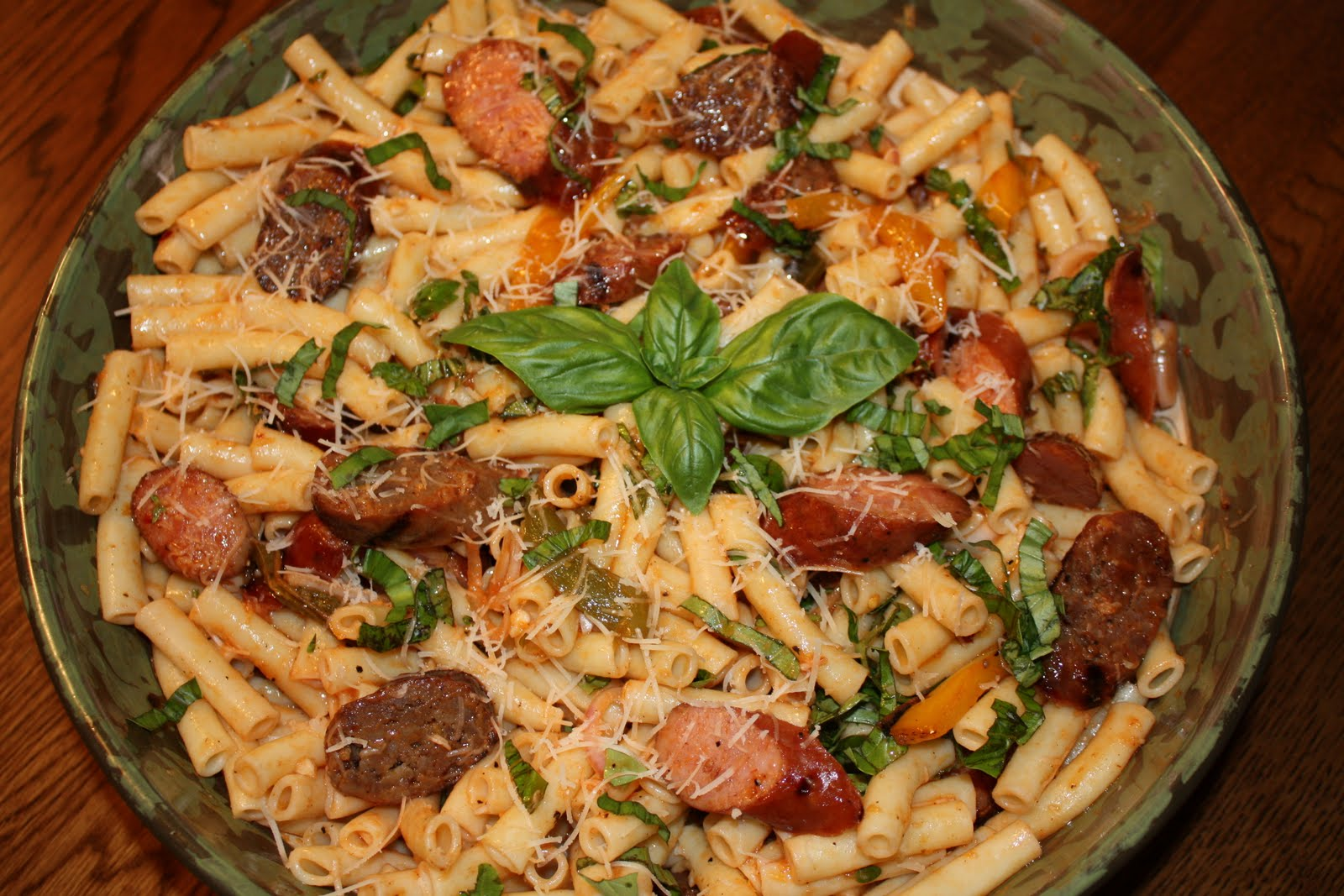 Fleur de Lolly: Pasta Salad with Grilled Sausages and Peppers