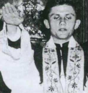 Piden captura del Papa Benedicto
