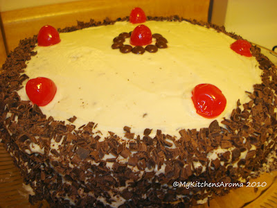 Recipe pat a cake chocolate fudge cake with cream cheese for Chocolate fudge cream cheese frosting