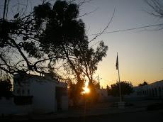 le coucher du soleil à l'école