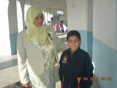 Mme Nouira avec son nouvel élève!