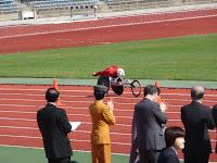 高松宮妃殿下はゴールする選手らを拍手で応援された