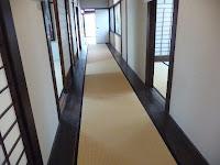 廊下には畳が敷いてある