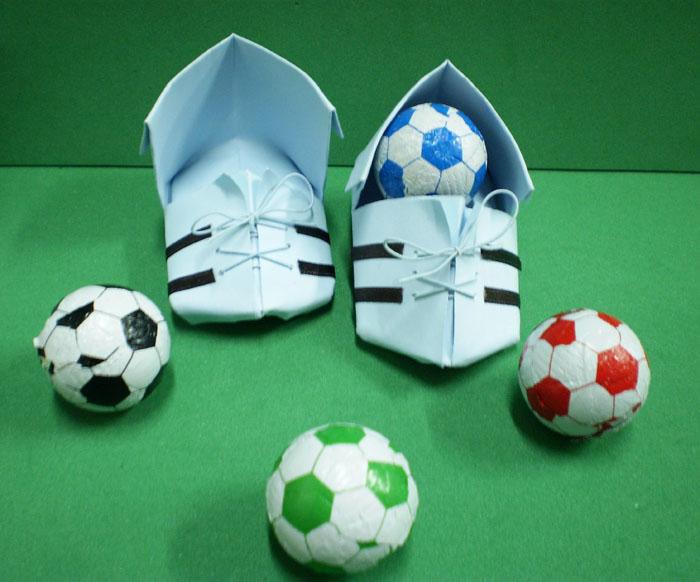 Chuteira De Origami E Convite Camisa De Futebol