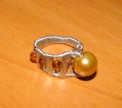 Inel perla aurie si cristale- pret 12 ron