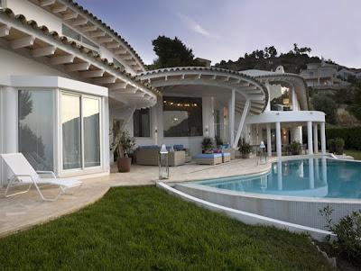 NewLuxury Seaside Villa