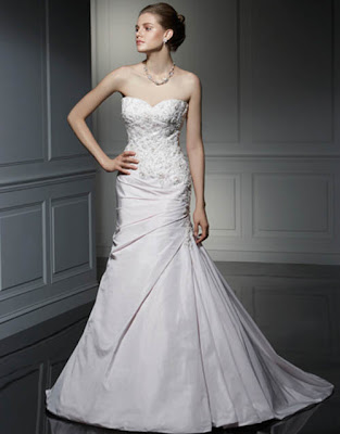 Glamour strapless wedding dress