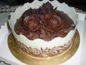 cake choc with flower&border choc