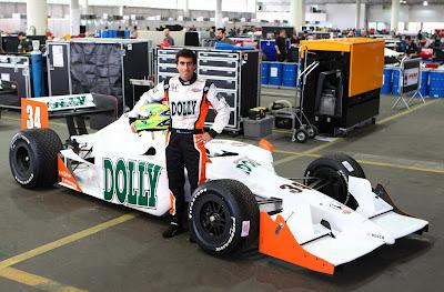 F-Indy  Veja as primeiras fotos de Mario Romancini em seu novo carro no  Anhembi a2f3f26f104
