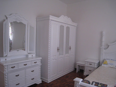 ... kalau di hiasan perabut ala english dinding kepala katil menyuntik