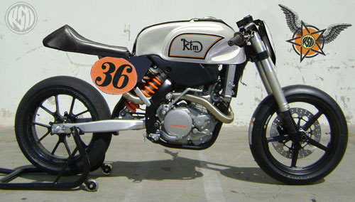 mono ktm piste KTM-Cafe-racer8negro