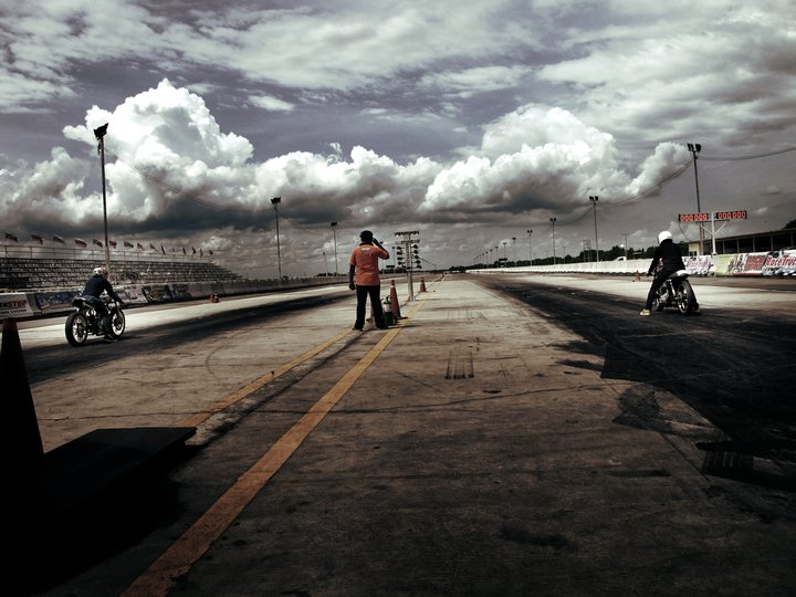 Runs de cafe racers à Bangkok