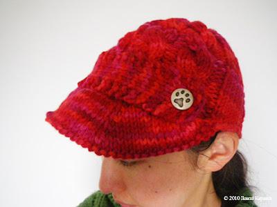 Ikumi knits Hitomi's hat
